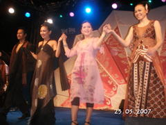 Fashion_show_in_tongtong